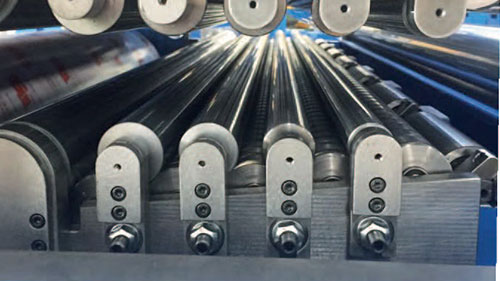Leveler rolls for processing Lines